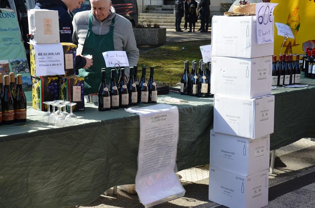wino na francuskim targu