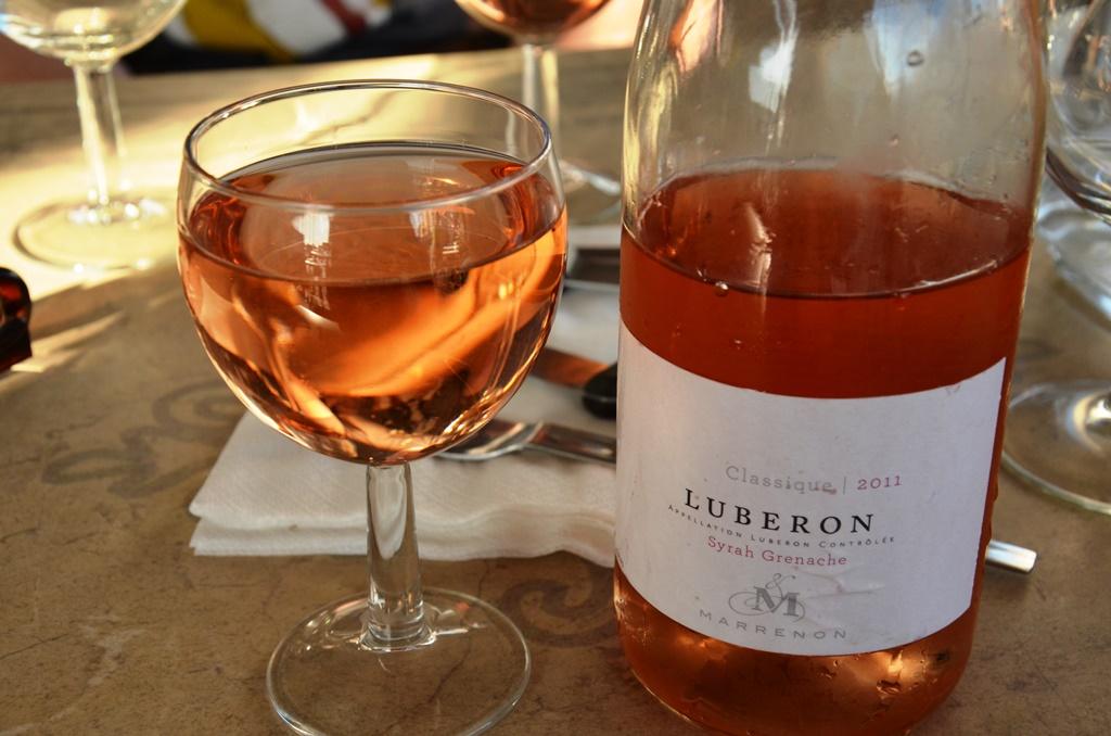 wino różowe z prowansji