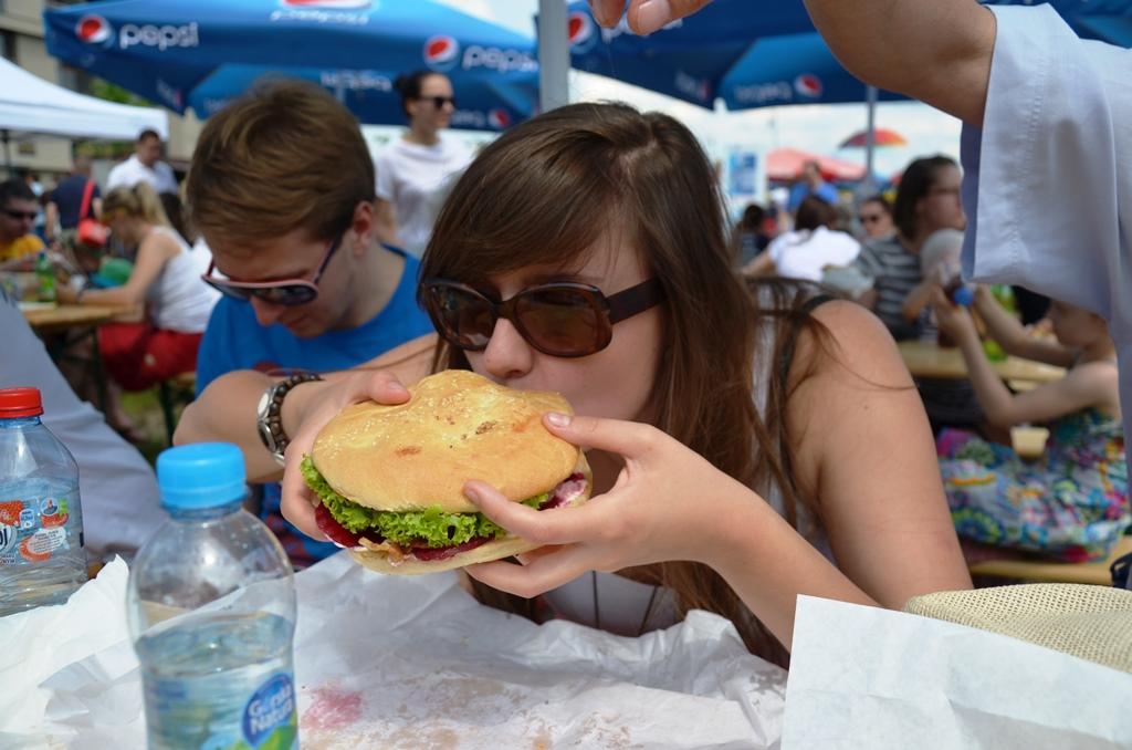 gwiazda dnia : Moa burger